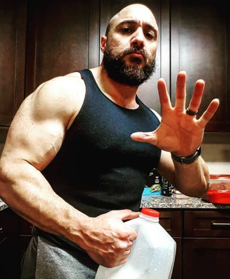 GOMAD Diet: How To Gain 14 lbs of Mass In Two Weeks